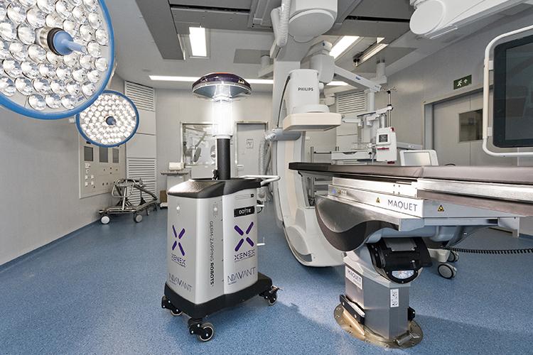 Robot desinfecció llum ultraviolada