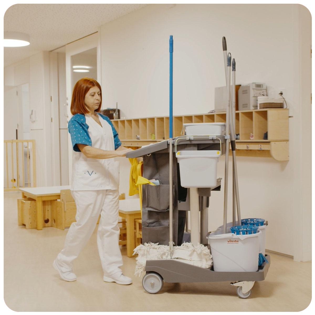 Servicios de limpieza especializada a edificios de grandes dimensiones