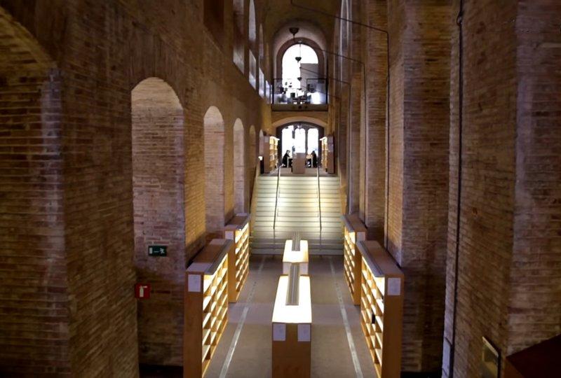Universitat Pompeu Fabra Edificio de las Aguas Biblioteca Jaume I